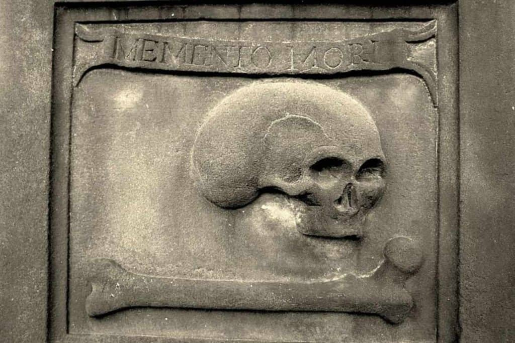 skull and bone memento mori
